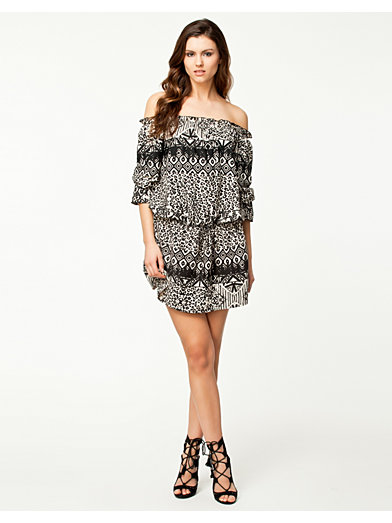 Off - Shoulder 3/4 Dress - Notion 1.3 - Motief - Doordeweekse Jurken - Kleding - Vrouw - Nelly.com