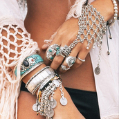 jewels,boho,hippie,ring,jewelry rings,bracelets,silver,crystal,stones,stone rings,jewellery stores,jewelry,jewelry bracelets,hand harness,gypsy,jewellery rings