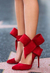 shoes,les bijouteries,big bow shoes,pumps,pointed toes pumps,high heels,sexy high heels,red high heels,red pumps,black pumps,black high heels,party shoes,ankle strap shoes