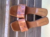 shoes,bcbg shoes,brown leather sandals,chunky heel sandals,designer shoes,vintage designer shoes,bcbg,chunky heels