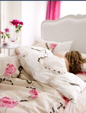 home accessory,bedding,sleep,floral,romantic