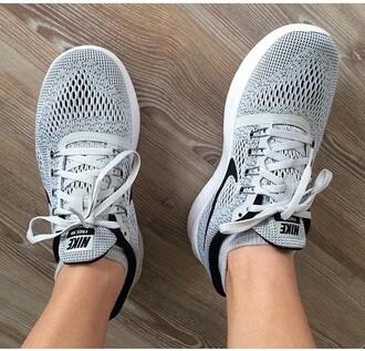 shoes nike nike running shoes grey black black dress white fashion toast serena van der woodsen