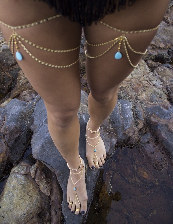 jewels foot jewels swimwear shoes foot jewelry jewelry summer gypsy body chain summer outfits boho body chain body chain gypsy jewelery gold toes nail polish accessories chain sea swimming costume