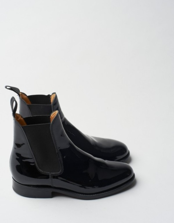 shoes boots black boots black gummy