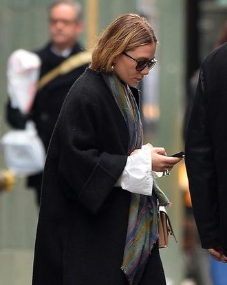 olsen sisters jewels scarf shoes coat sweater shirt blouse pants