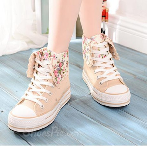 a23ccb1a110e shoes converse high tops white converse high tops cream sneakers converse  sneakers floral floral shoes floral