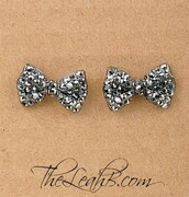 jewels,earrings,earings,studs,bow,jewelry,accessories,girly,tumblr,girl,wow,bow earrings