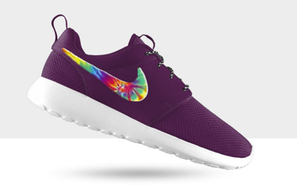 roshe run purple and black