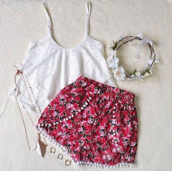 pants summer nice hipster blogger flowers white red shirt hair accessory clothes hair accessory jewerly ring bracelets silver shorts pom pom necklace blouse