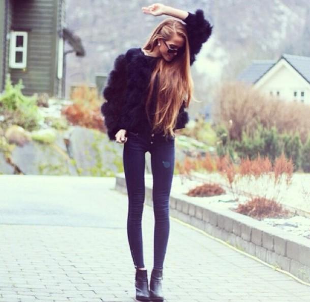 coat black leather fur black jacket jacket sweater oversized sweater winter sweater winter outfits model blonde hair