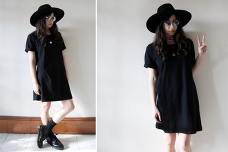 nadia bailey blogger t-shirt sunglasses jewels mirrored sunglasses hat socks drmartens t-shirt dress