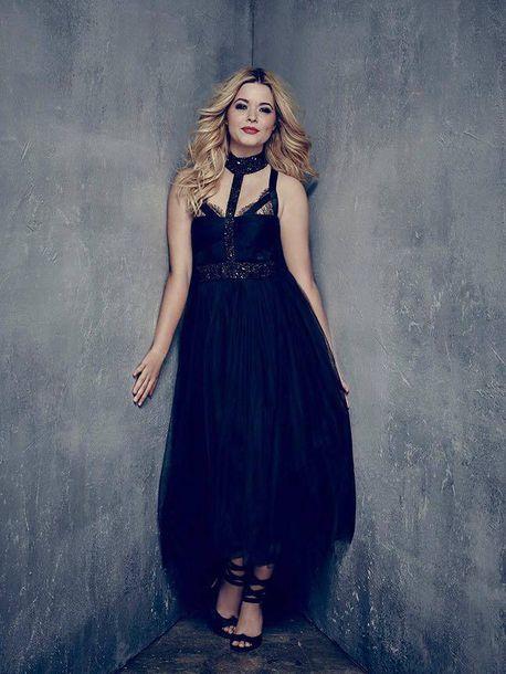 Dress Gown Alison Dilaurentis Sasha Pieterse Sandals