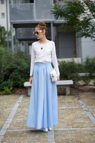 from brussels with love blogger light blue maxi skirt