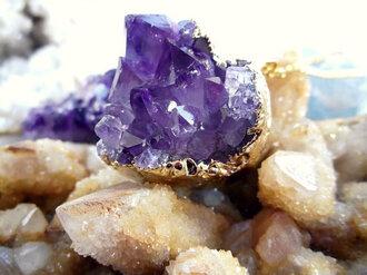 jewels quartz gemstone heart necklace gold necklace boho grunge purple hippie vintage festival festival jewelry hippie chic boho chic gems minerals classy