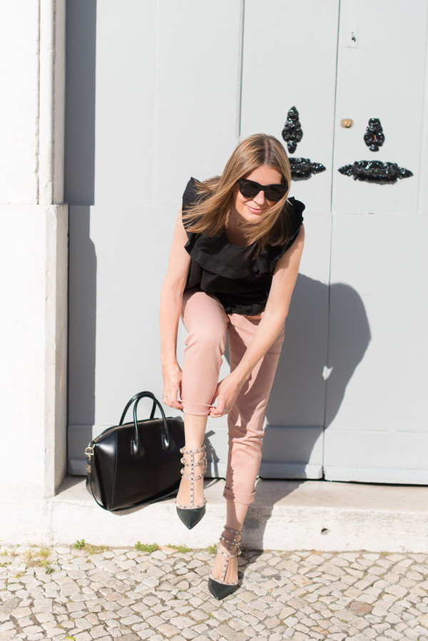 the working girl bag jeans shoes top jewels sunglasses