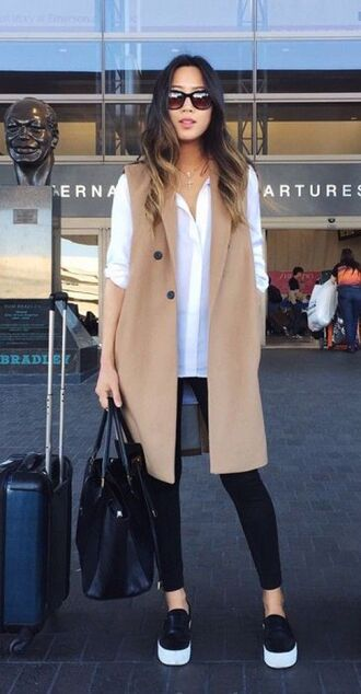 jacket white shirt brown vest black jeans blogger sunglasses
