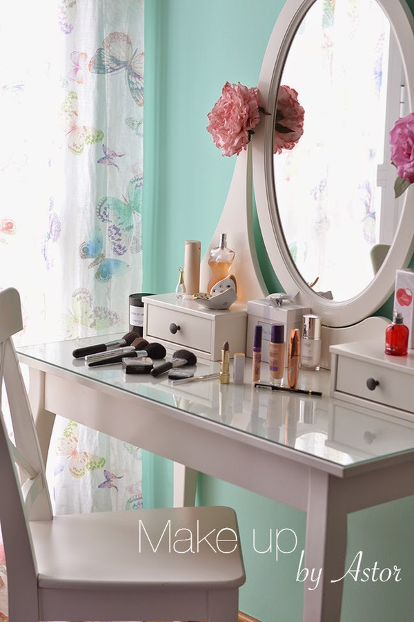 Ikea dressing table folding mirror for Ikea hemnes vanity table