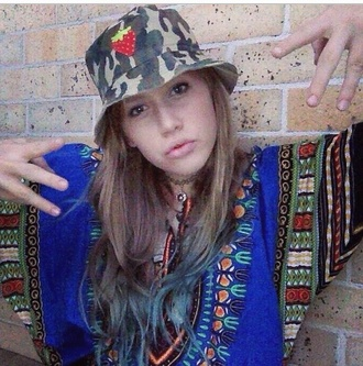 t-shirt geordiegray native indie grunge cool african print cool girl style hat bucket hat strawberry coolgirlstyle armyprint camp camo camouflage