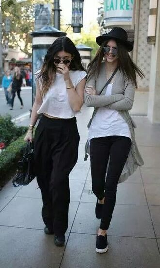 shirt kardashians kendall and kylie jenner kylie jenner outfit casual help plz pants black wide-leg pants high waisted pants