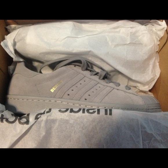adidas bnib ist aus grauem wildleder adidas superstar der 80er jahre stadt - version