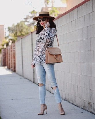 hallie daily blogger top jeans bag shoes hat chloe faye bag chloe bag chloe nude bag shoulder bag shirt floral shirt denim blue jeans ripped jeans pumps pointed toe pumps nude pumps straw hat spring outfits streetstyle