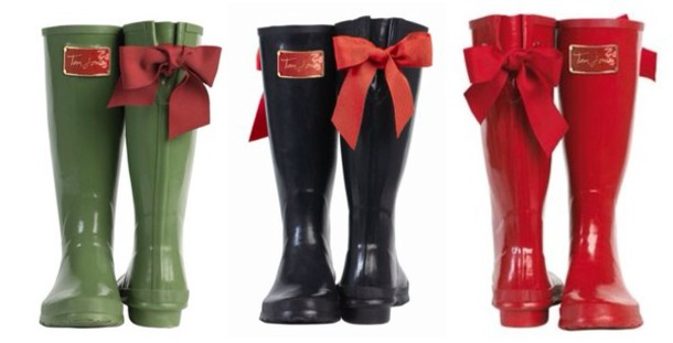 Shoes: red rain boots, red bow, wellies, bow, bows, lace bow, toms ...
