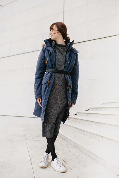 into your closet blogger belt duffle coat grey dress winter dress white sneakers hooded winter coat winter outfits winter coat blue coat midi dress knitted dress knitwear sweater dress opaque tights tights sneakers