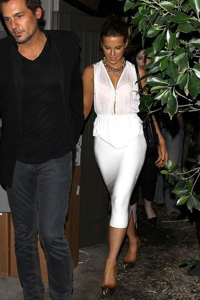 kate beckinsale pumps white top white white skirt pencil skirt date outfit skirt top
