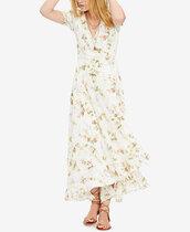 dress,wrap dress,wrap floral dress,floral dress,summer dress,summer outfits