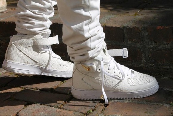 shoes clothes nike reptile white mens shoes air force ones air force 1 air force air forces snake skinn snake skin shoe snake skin shoes snake skin print