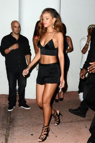 shirt rihanna shoes shorts top
