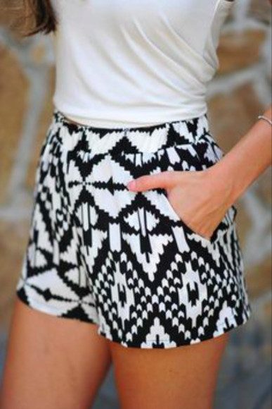 shorts black and white