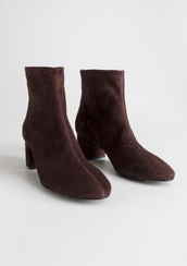 shoes,suede,center seam,ankle boots,brown,black,french,60s style,mod,vintage,booties