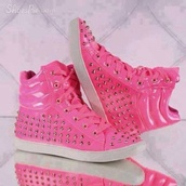 shoes,sneakers,gold,pink,white,hip hop,hip hop shoes,pink shoes,neon pink,cool,running shoes,studded shoes,studded sneakers