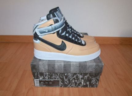 cheap for discount 8abb4 8a6a7 Nike Air Force 1 x Riccardo Tisci Mid