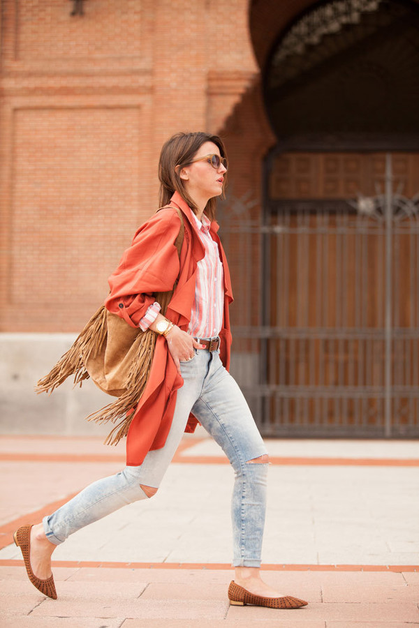 lovely pepa blogger fringed bag trench coat ripped jeans striped shirt ballet flats pointed toe coral printed ballerinas flats orange coat fringes brown bag blue jeans sunglasses
