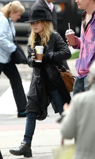 hat top boots mary kate olsen fall outfits shoes
