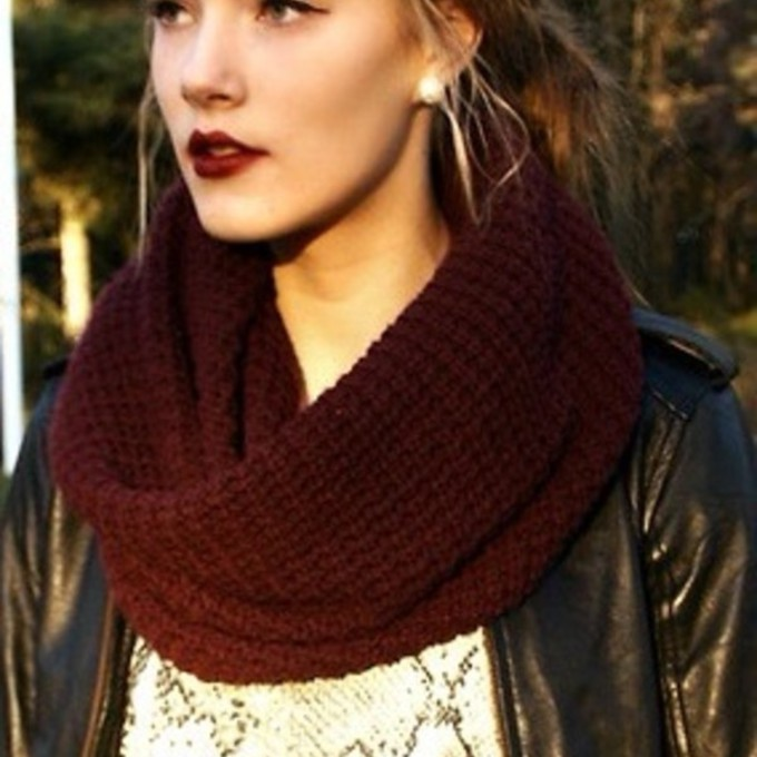 burgundy kintted scarf red