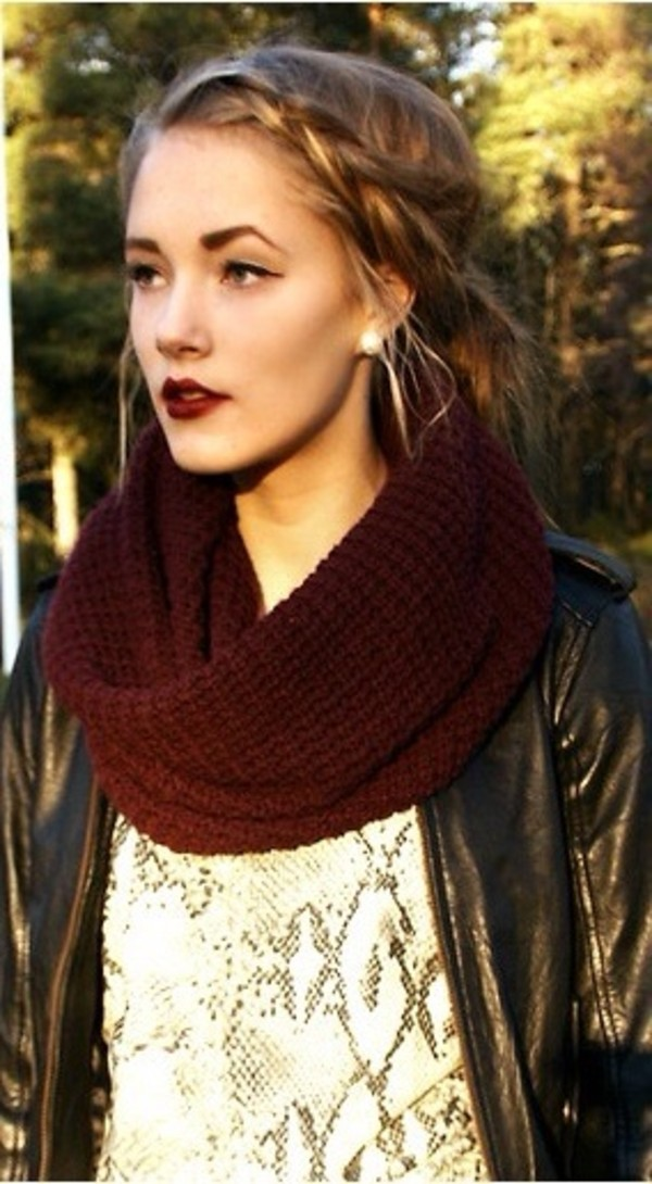 scarf burgundy red kintted
