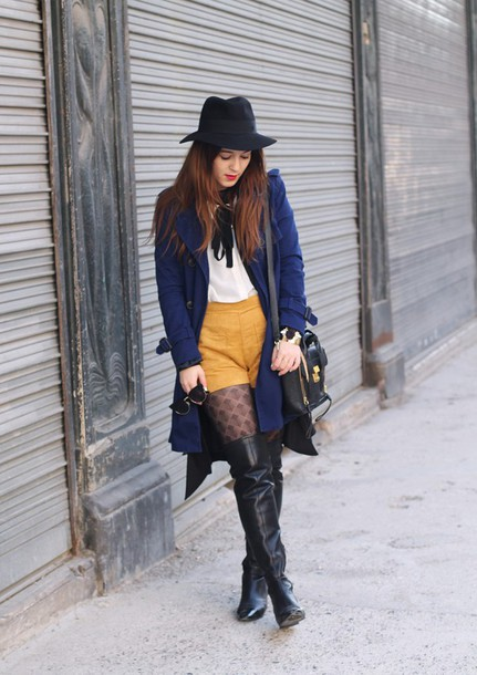 elodie in paris blogger coat tights shoes shirt shorts jewels bag hat sunglasses