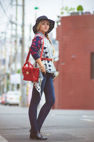 my blonde gal blogger top cardigan bag jeans tommy hilfiger