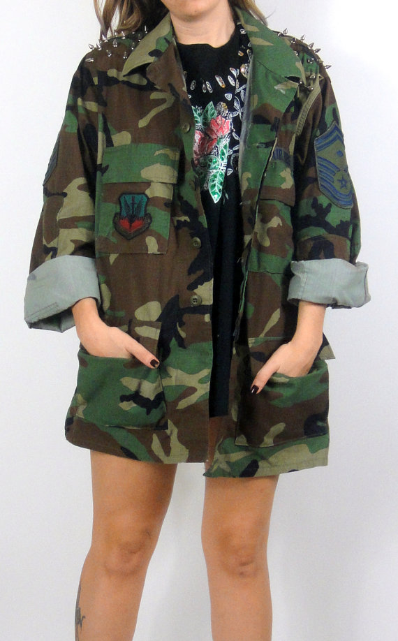 Spiked Shoulder Oversized Camo Jacket  - Total Recall Vintage