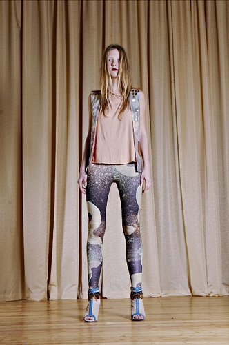 Galactic dust leggings by qooqoo on sense of fashion