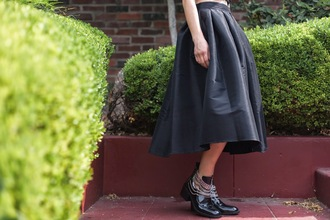 feral creature blogger retro midi skirt black skirt cut out ankle boots