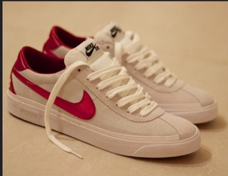 shoes red white nike sb supreme world famous mens shoes