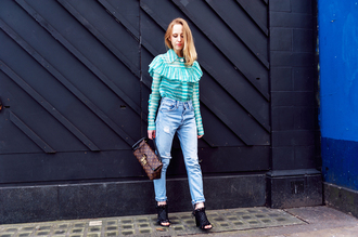 alice point blogger jeans ruffle striped shirt peep toe ripped jeans