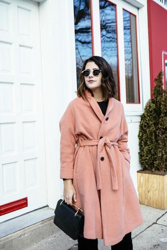 chicityfashion blogger coat pants sunglasses shoes socks bag