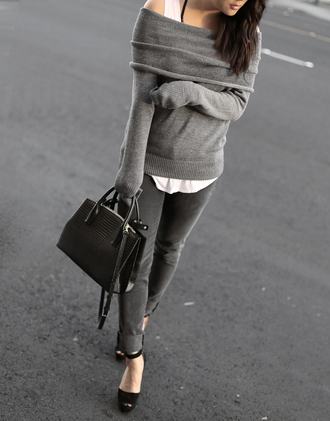 theversastyle blogger sweater jeans bag shoes off the shoulder sweater grey sweater handbag grey jeans high heel sandals