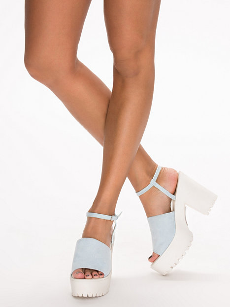 Chunky thin strap sandal, nly shoes