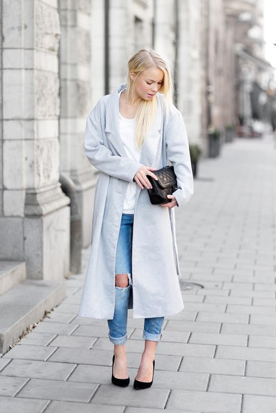 black heels blogger bag grey coat victoria tornegren